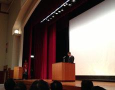 競輪学校を代表してスピーチする中井生徒