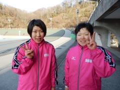 左から山原生徒、田中生徒