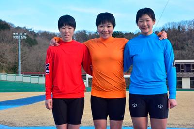 上位3名 左から 吉村生徒、大久保生徒、内村生徒