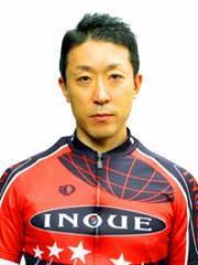 井上 雄三選手の顔写真