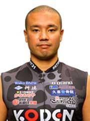 山崎 輝夫選手の顔写真